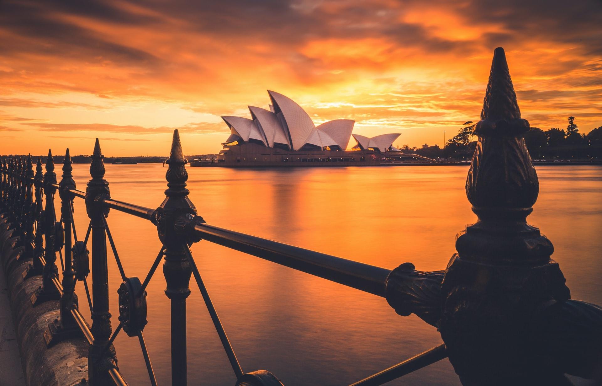 Epic Sydney, Scenery and Shiraz Tour