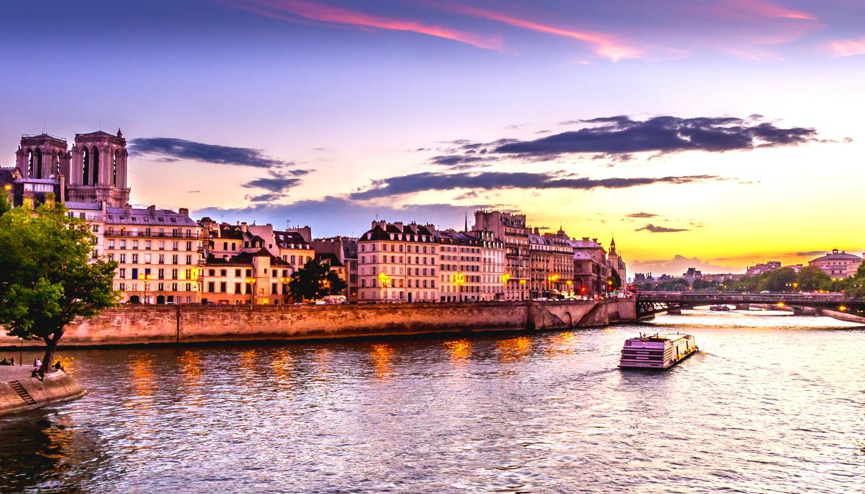 Luxurious Paris – Eiffel - Disney